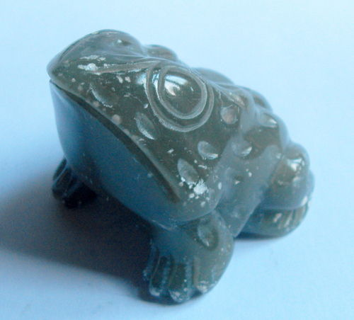Carved frog desk weight