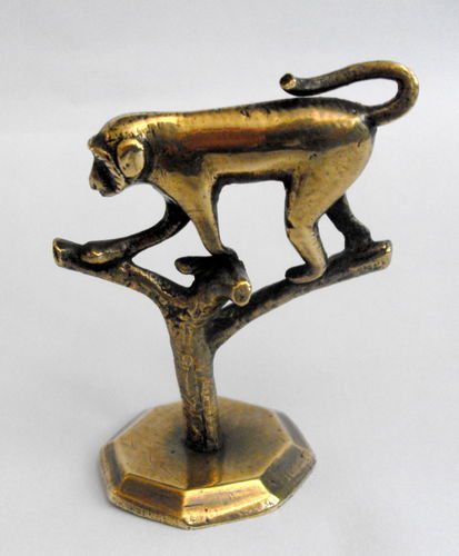 Unusual monkey deskweight