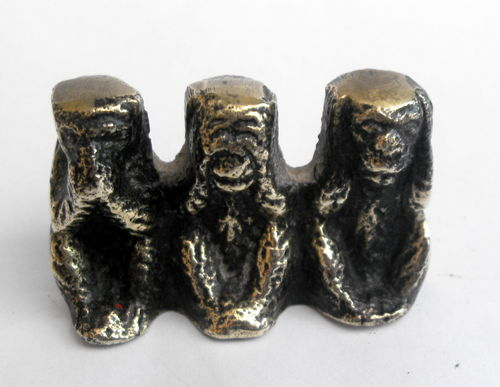 Three Wise Monkeys deskweight