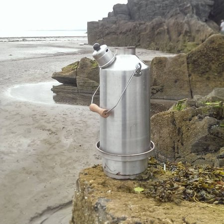 Ghillie Kettle in action, Hot Chocolate on the beach, Debbie Brame-Byford\\n\\n19/08/2014 14:06
